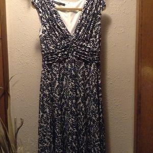 Jones Wear Dress Flowy Dress